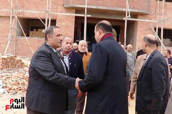 محافظ مطروح يتفقد اعمال انشاء مبنى الجامعة