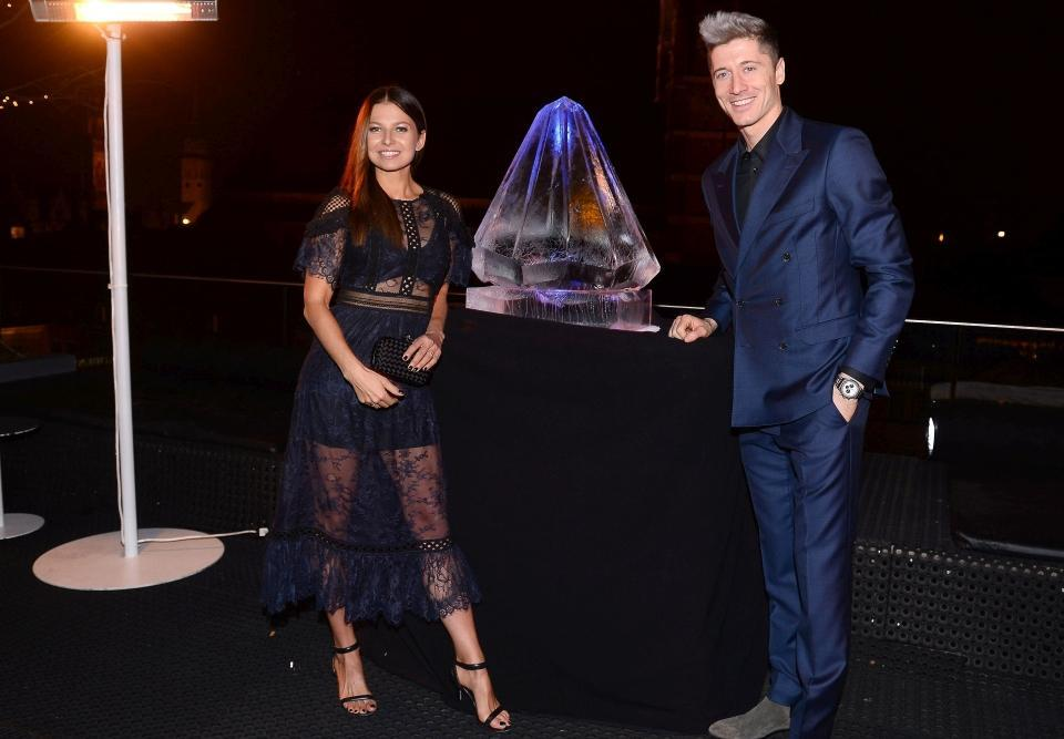 ليفاندوفسكى وزوجته