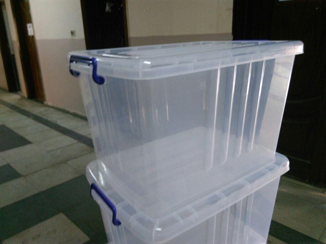 صناديق شفافة لانتخابات الطلاب