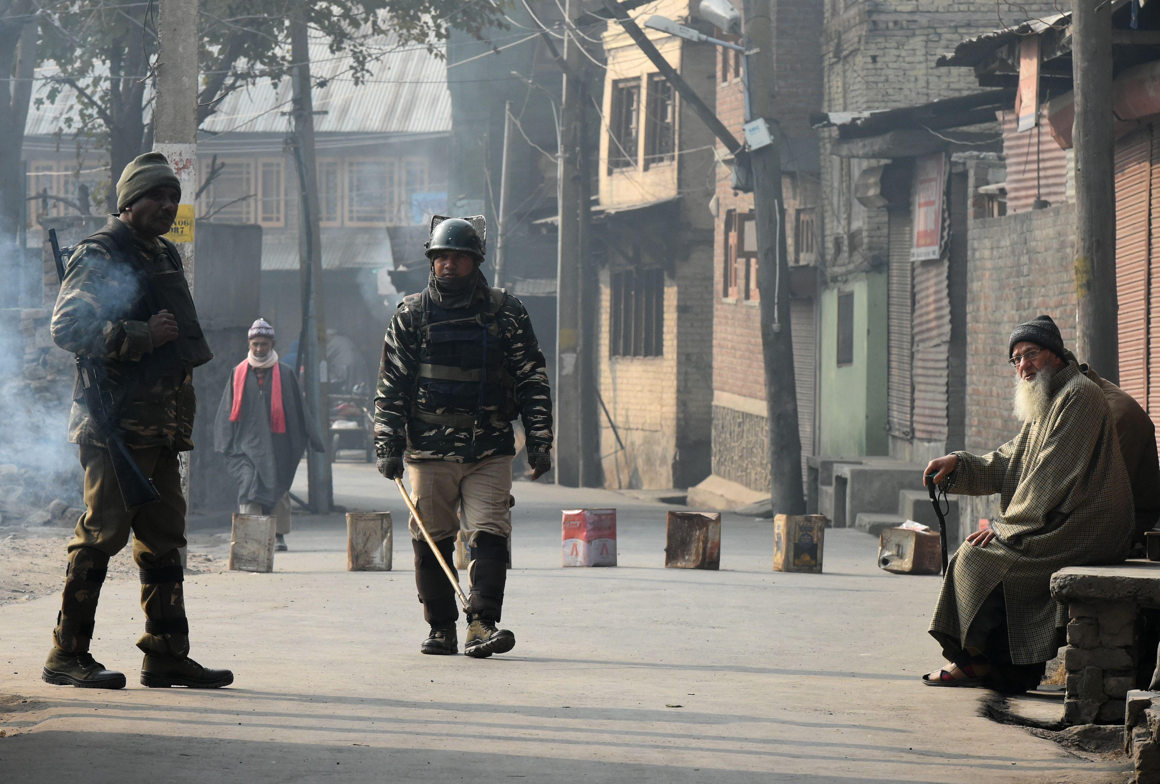 اشتباكات فى الهند مع المتظاهرين
