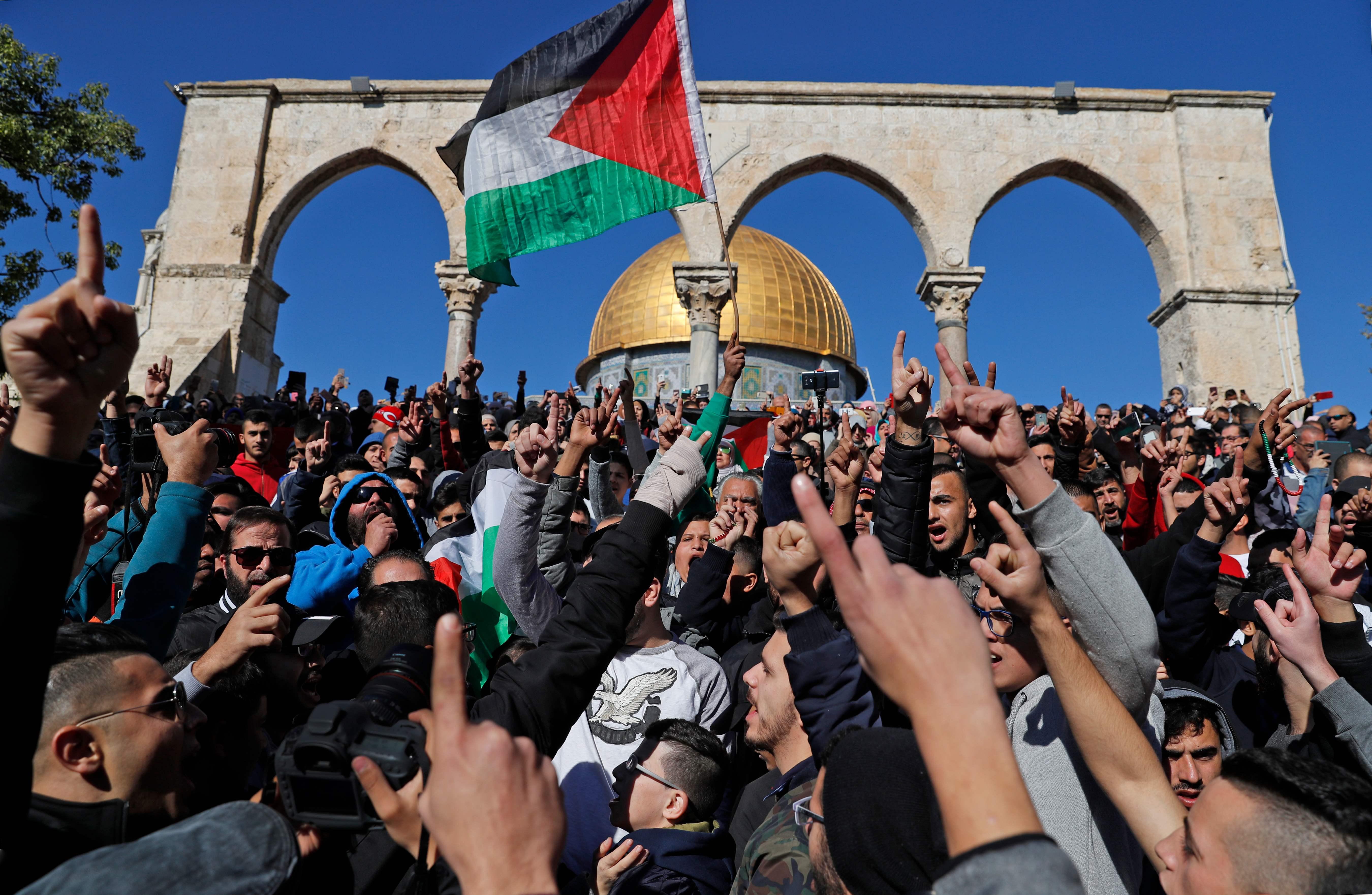 مظاهرات أمام القدس