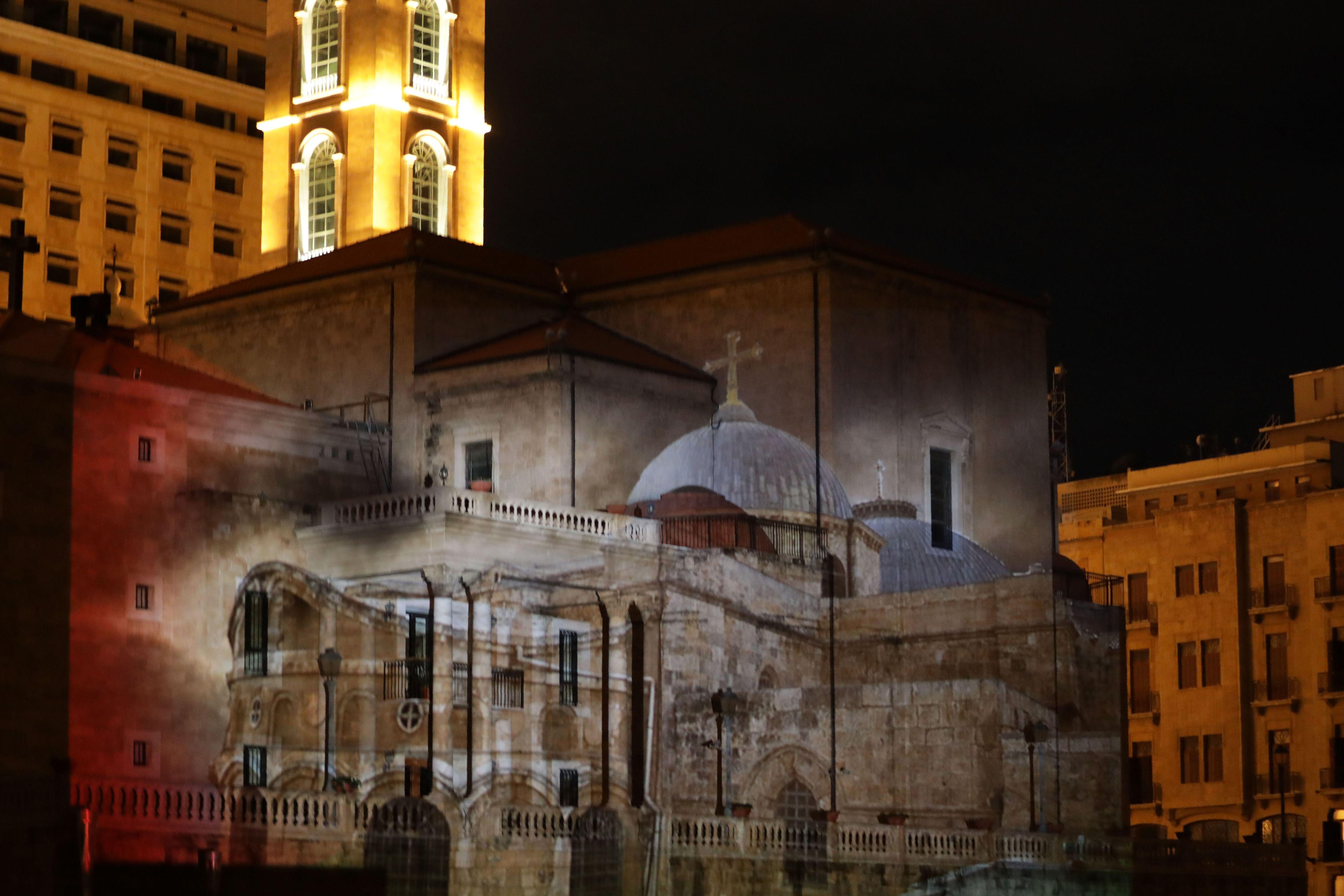 جانب من إنارة مسجد الأمين وكاتدرائية مارجرجس