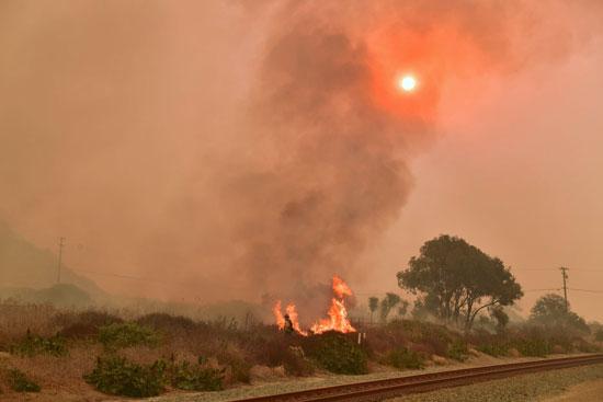 اجتياح-الحرائق-فى--كاليفورنيا