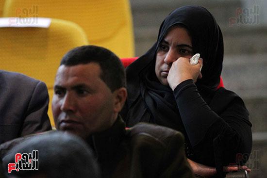 صور تكريم أسر الشهداء والمصابين بحادث الروضة الإرهابي (32)