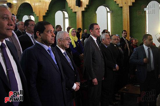 صور تكريم أسر الشهداء والمصابين بحادث الروضة الإرهابي (49)