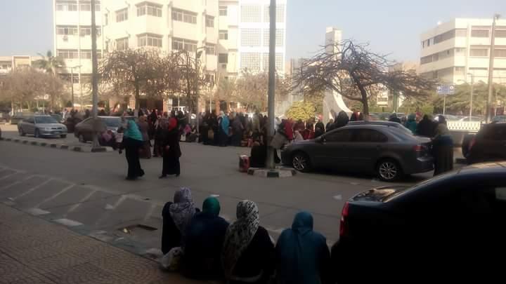 اضراب تمريض جامعة الزقازيق