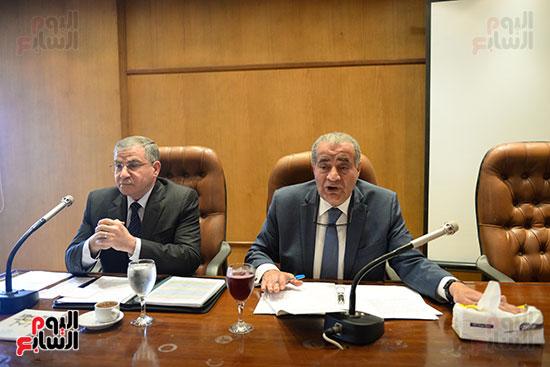 الدكتور علي مصيلحي رئيس لجنة الصحة ومحمد مصيلحي وزير التموين