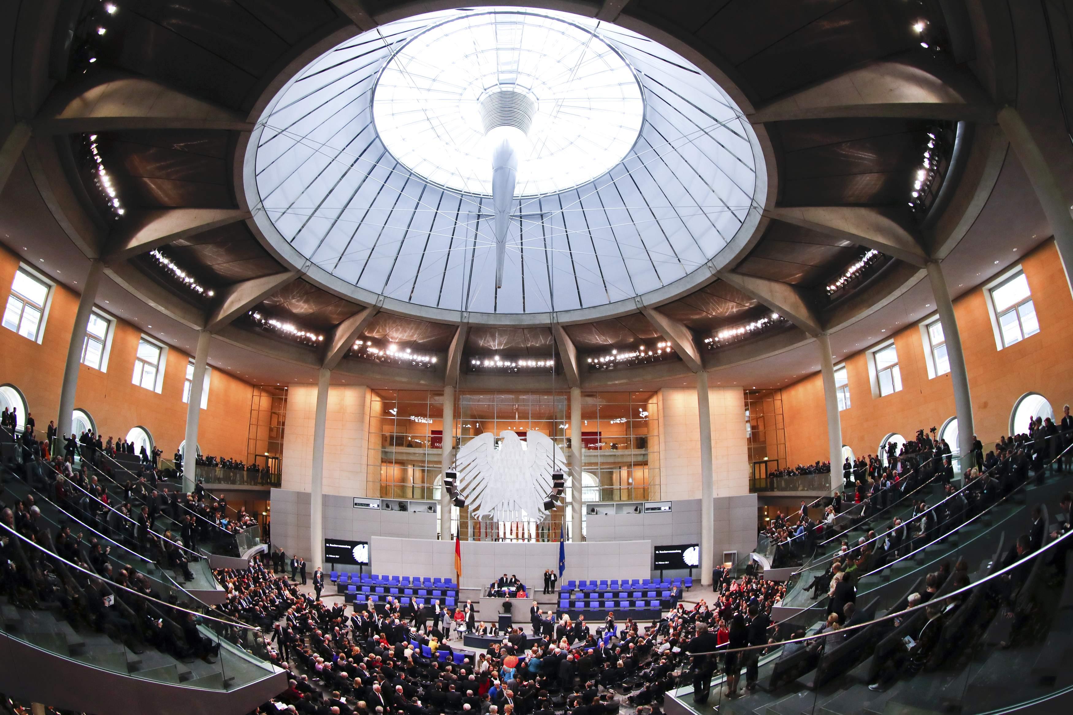 التصويت فى الانتخابات الألمانية فى البرلمان الألمانى  (1)