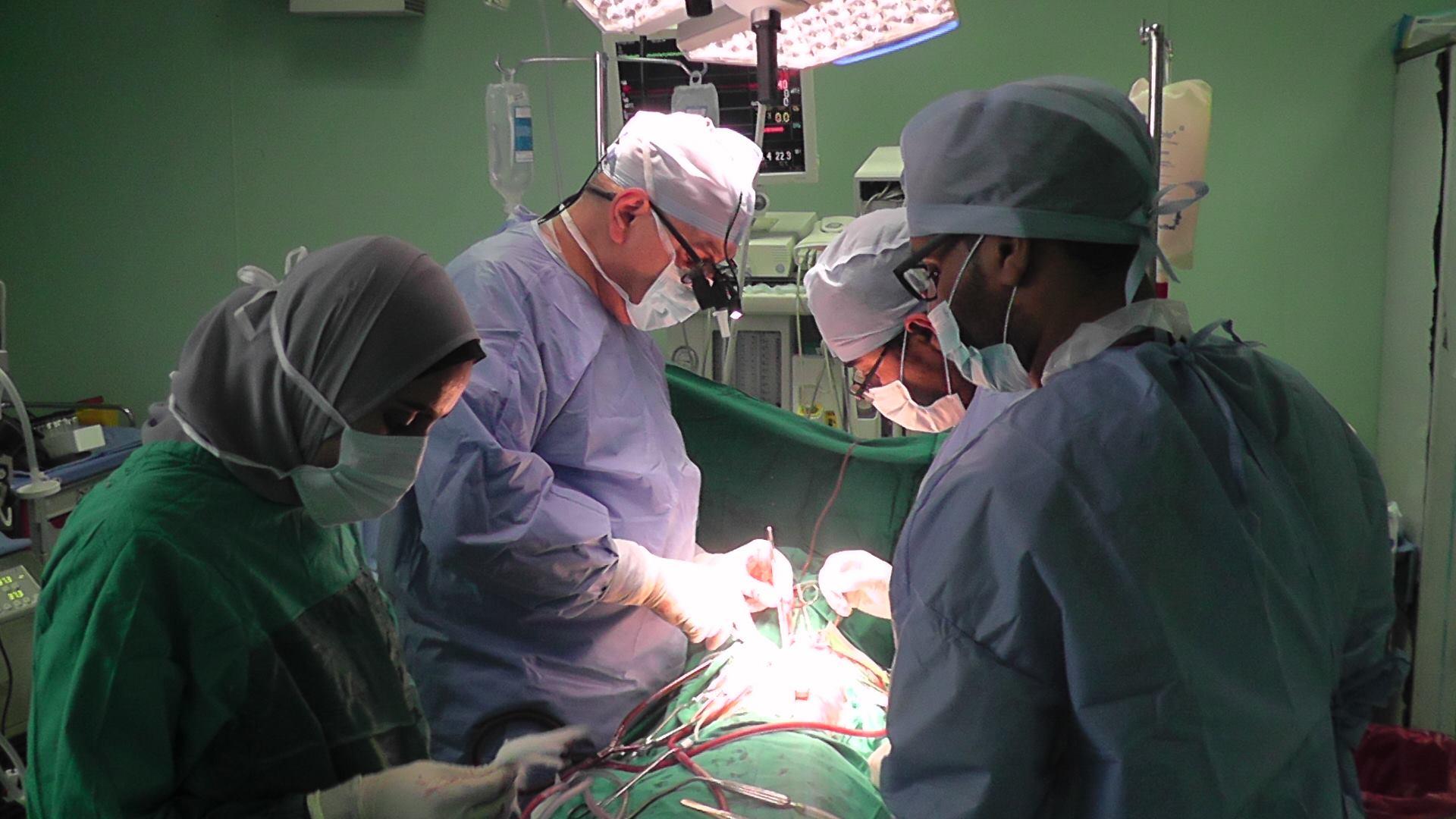 اجراء عملية قلب مفتوح لطفل