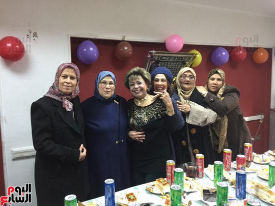 أجواء الاحتفال بصفاء مختار الشرشابى لبلوغها سن المعاش