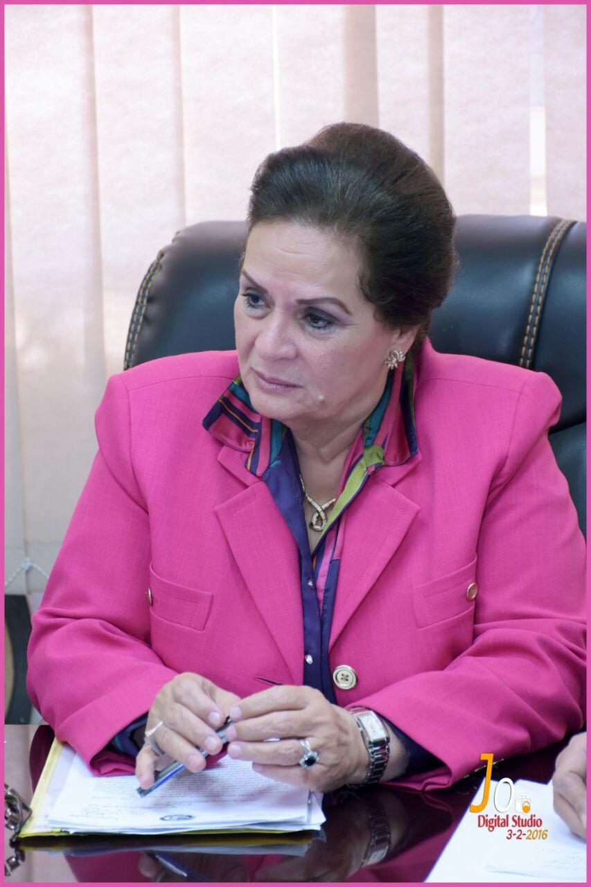 المهندسة نادية عبده محافظ البحيرة (8)