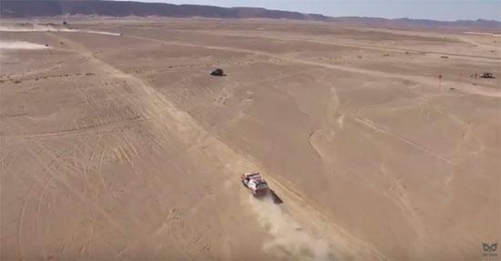 طائرة بدون طيار ترصد المنشآت الحيوية فى البحر الأحمر (3)