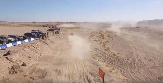 طائرة بدون طيار ترصد المنشآت الحيوية فى البحر الأحمر (4)