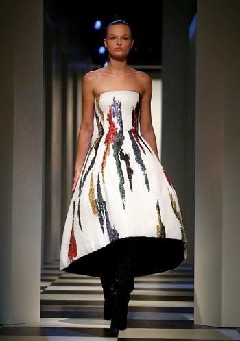 فستان من مجموعة أوسكار دى لارينتا