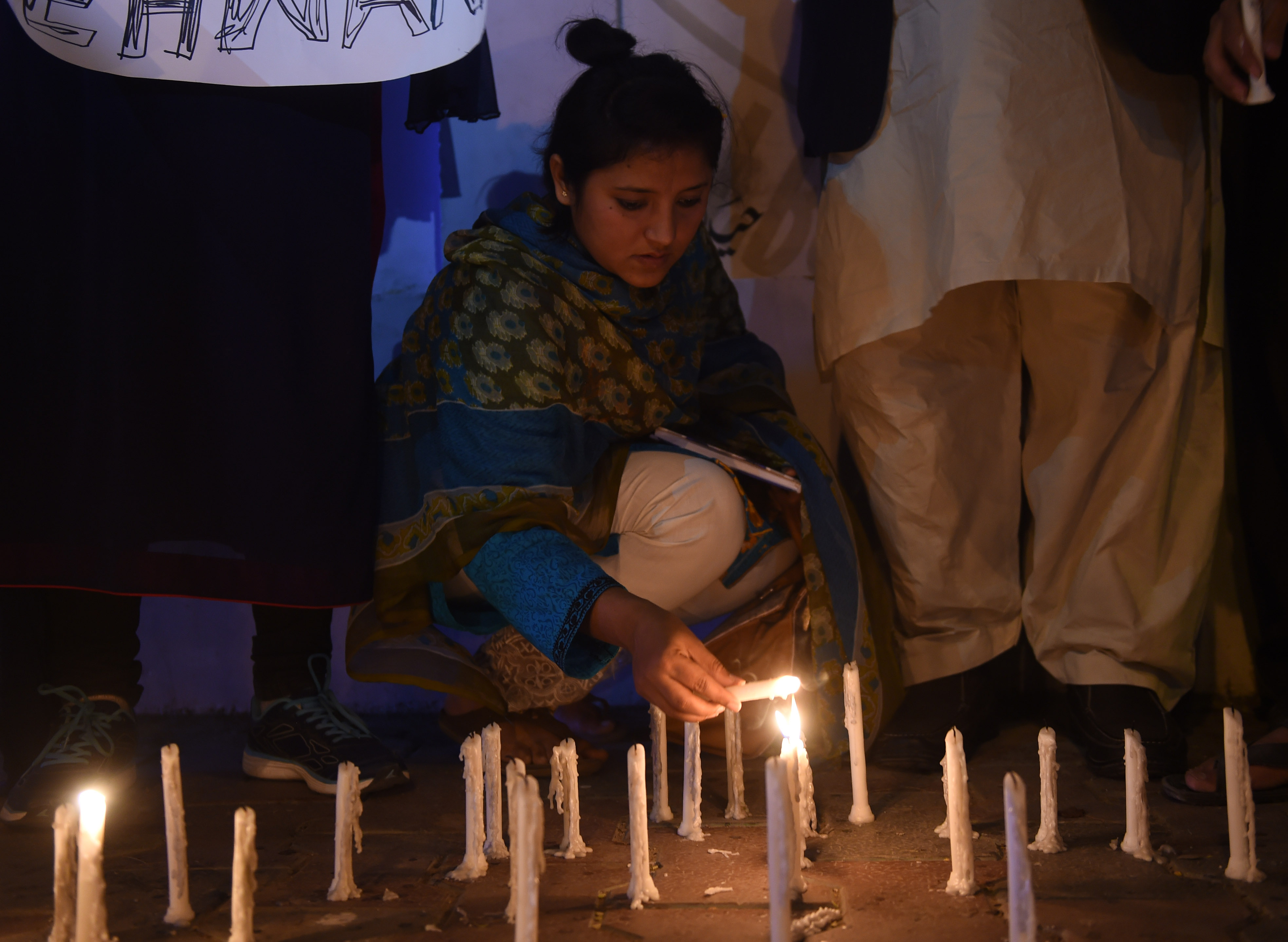 باكستان تشيع ضحايا تفجيرات تنظيم داعش الإرهابى