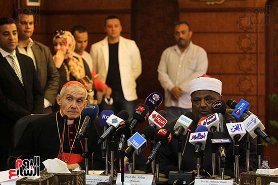 مؤتمر مشيخه الازهر والمجلس الباباوى (32)