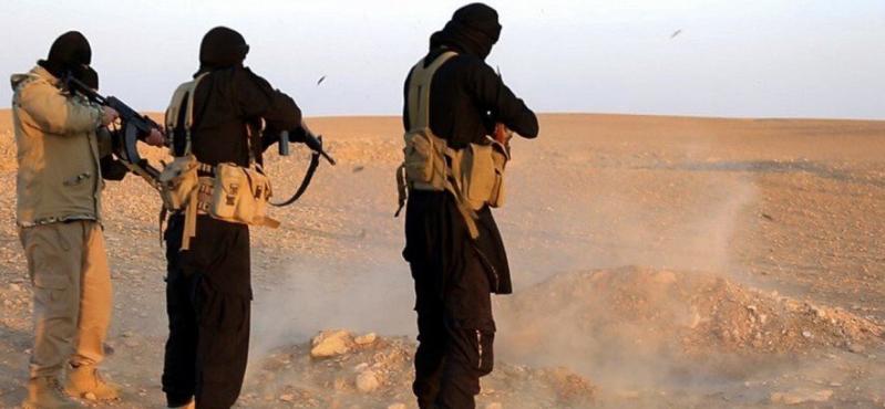 اعدام داعش عناصر من الجيش العراقي