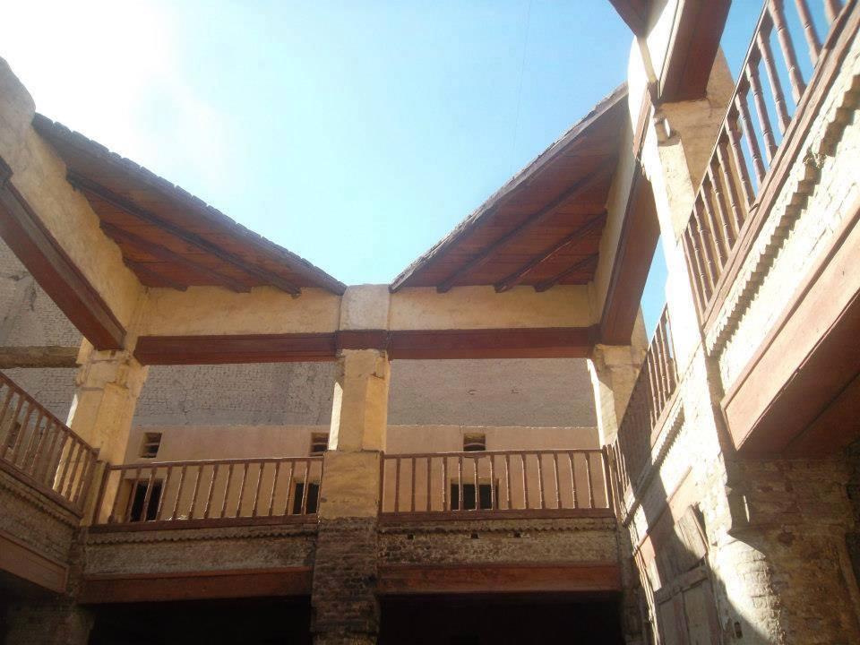 طراز معمارى مميز داخل مقر وكالة الجداوى باقى منذ مئات السنين