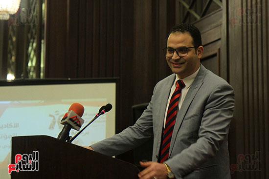 وليد عثمان رئيس الأكاديمية الدولية للوساطة والتحكيم