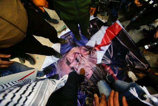 مظاهرات-فى-فلسطين-ضد-الرئيس-الأمريكى-دونالد-ترامب