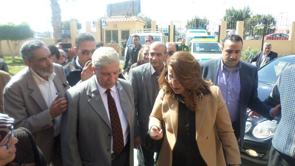 وزير التضامن تصل الاسماعيلية وتلتقى الاسر المسيحية (4)
