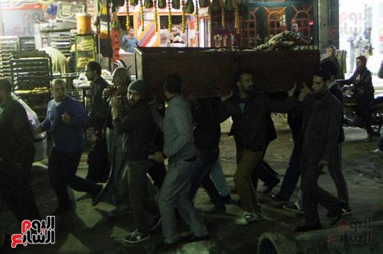 نقل جثمان والد أبو تريكة إلى المسجد