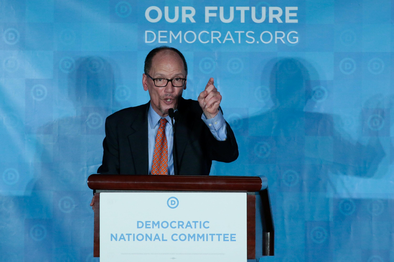 توم بيريز خلال حديثه للديمقراطيين