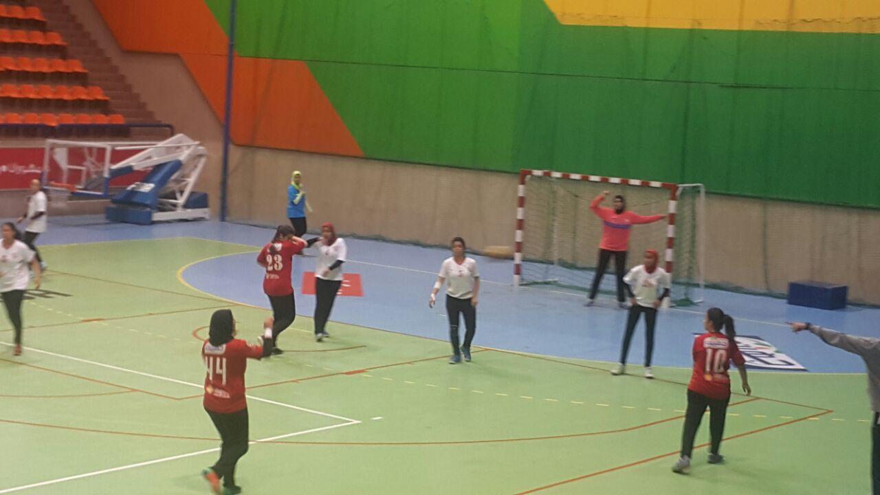 مباراة الأهلي والزمالك  للناشئات  لكرة اليد مواليد 2000 (5)