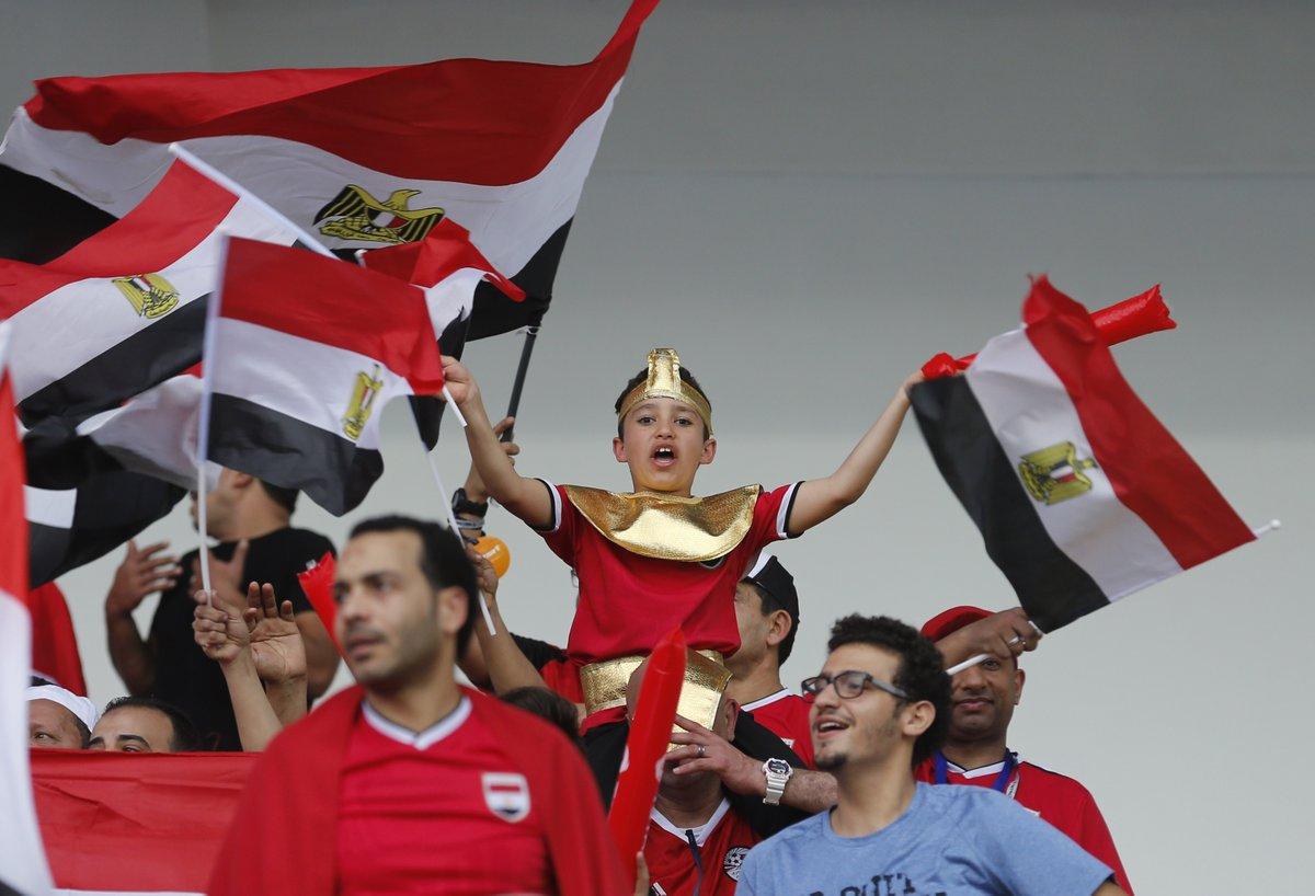 الجماهير المصرية فى ملعب المباراة  (5)