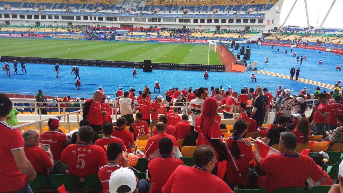 الجماهير المصرية فى ملعب المباراة  (1)