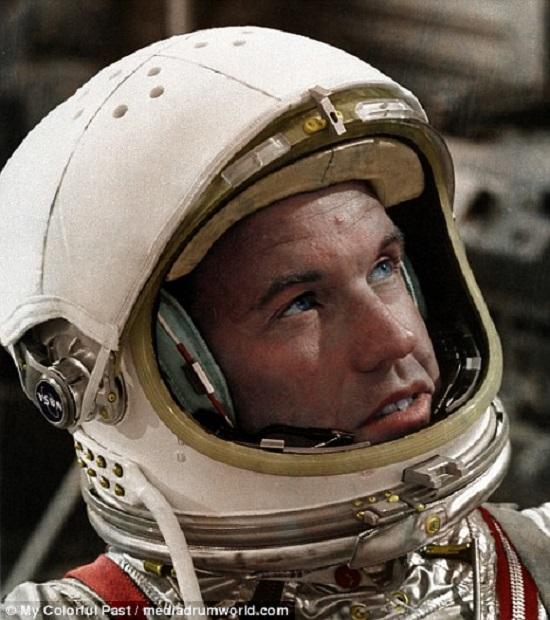 رائد الفضاء جوردون كوبر فى مايو لعام 1963 خلال مشروع عطارد