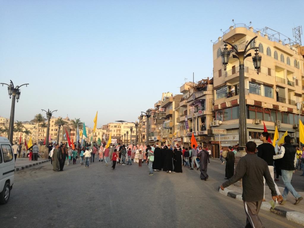 الفرق الفنية تصل ميدان أبو الحجاج لإطلاق عروضها