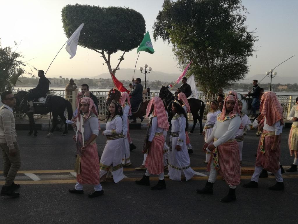 عروض فرق الأقصر بمسيرة كورنيش النيل