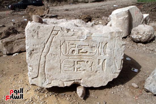 الآثار تخذل الملك رمسيس الثانى وتتركه لأطفال المطرية (11)