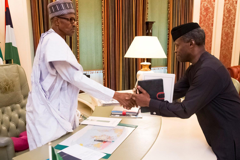الرئيس النيجيرى يستقبل نائبه بمكتبه فى أبوجا