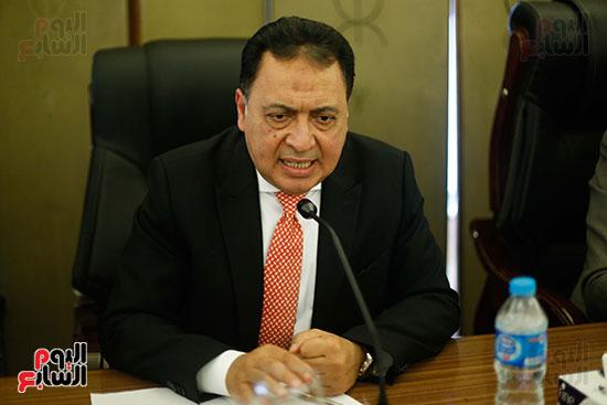 احمد عماد الدين وزير الصحة