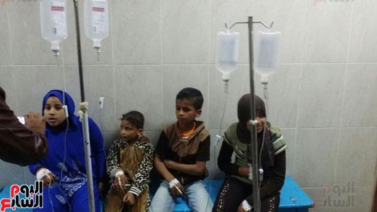 الأطفال-المصابين-بالتسمم-فى-سوهاج