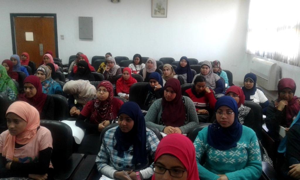 جامعة أسيوط تواصل احتفالاتها بعام المرأة المصرية بإطلاق ندوة مجتمعية (2)
