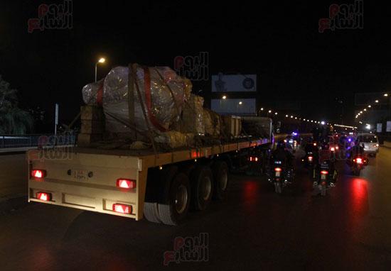 من السوق إلى العرش.. رحلة تمثال الملك رمسيس من المطرية إلى المتحف المصرى (19)