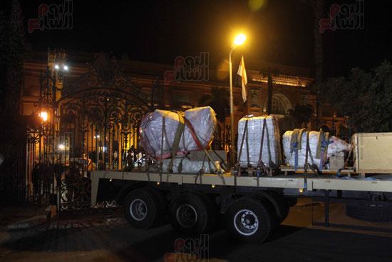 من السوق إلى العرش.. رحلة تمثال الملك رمسيس من المطرية إلى المتحف المصرى (27)