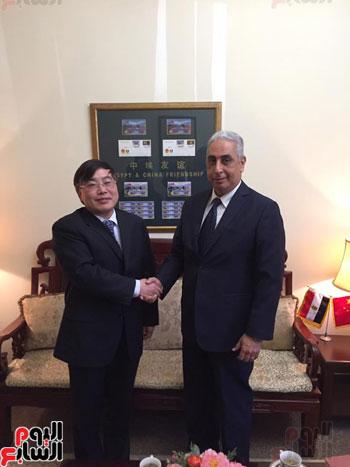السفير أسامة المجدوب مع نائب رئيس الاتحاد الصناعى الصينى