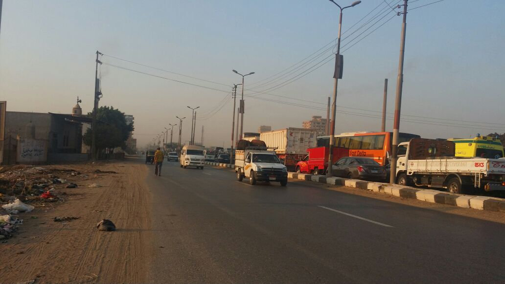 4 مدخل مدينة المنصورة قادم من القاهرة وتكدسه بالسيارات بسبب الزحام