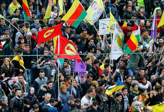 آلاف الأكراد يحتجون ضد أردوغان فى فرانكفورت الألمانية