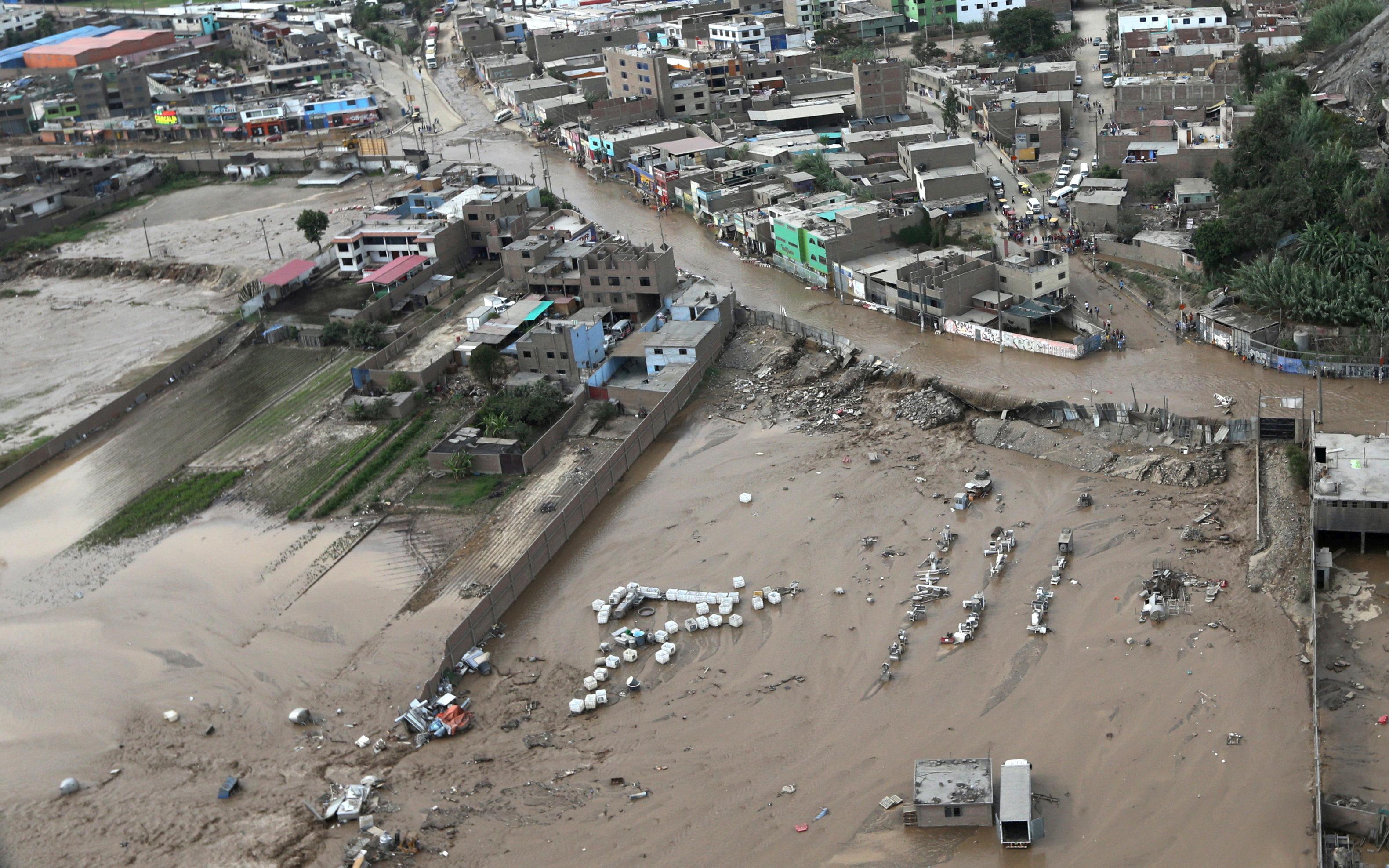 المياه تغمر مئات المنازل