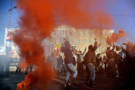مظاهرات ضد العنصرية والتميز أمام البرلمان الإيطالى بأثينا