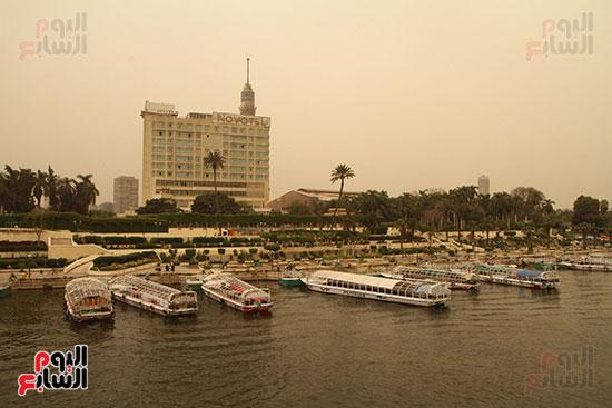 مراكب ترسو فى نهر النيل