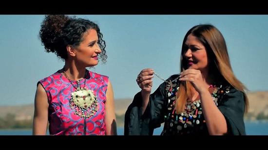الفنانة ليلى علوى على ضفاف النيل