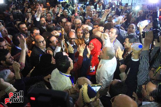 صاحبة الجلالة تختار عبد المحسن سلامة نقيبًا للصحفيين (11)