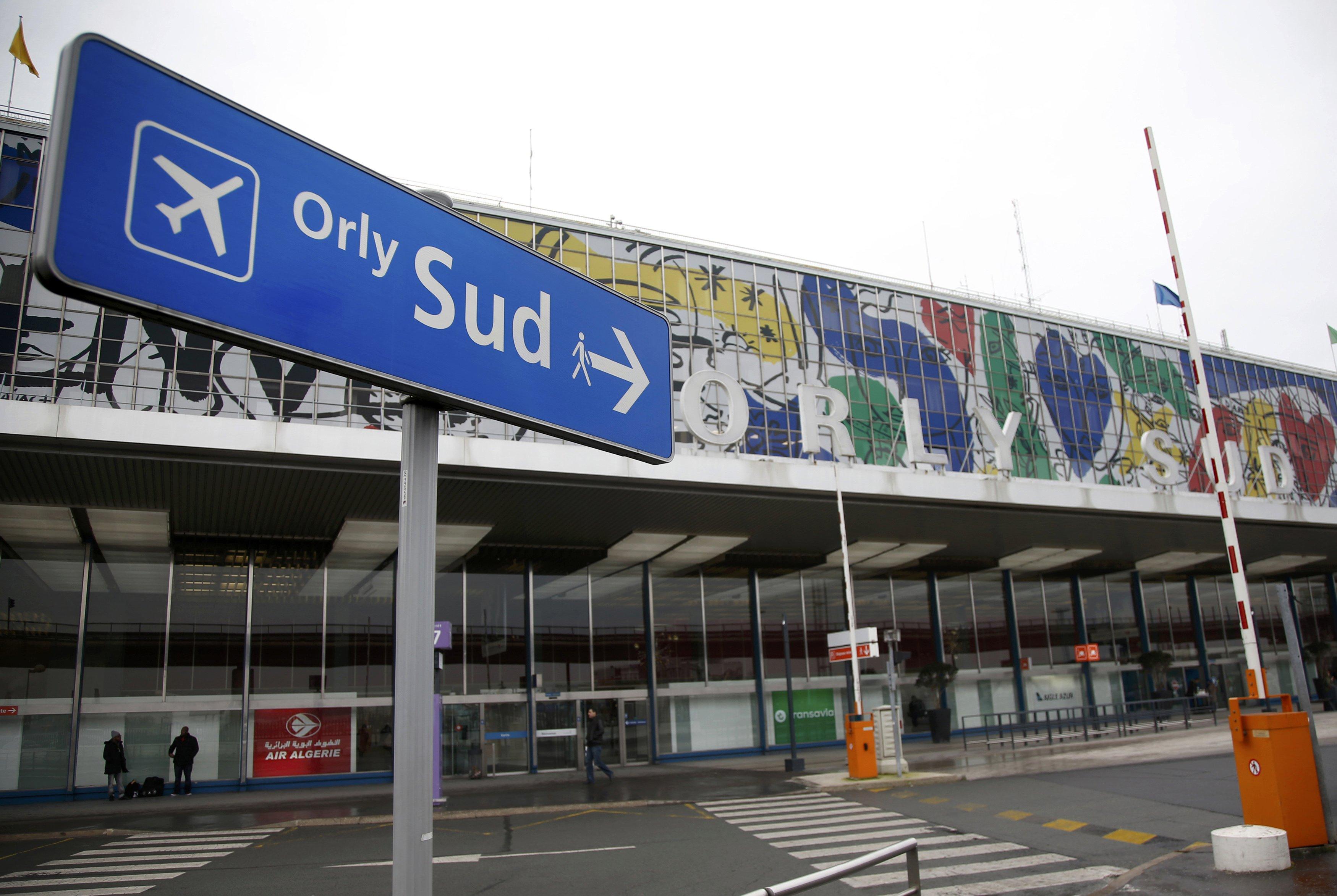 مطار أورلى