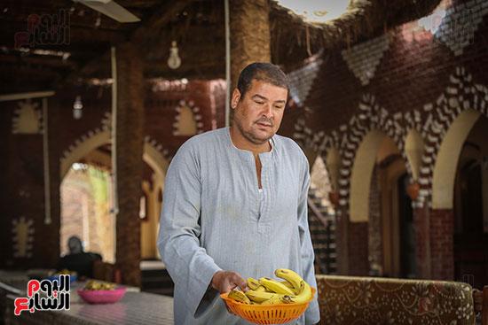 أحد العاملين بجزيرة الموز